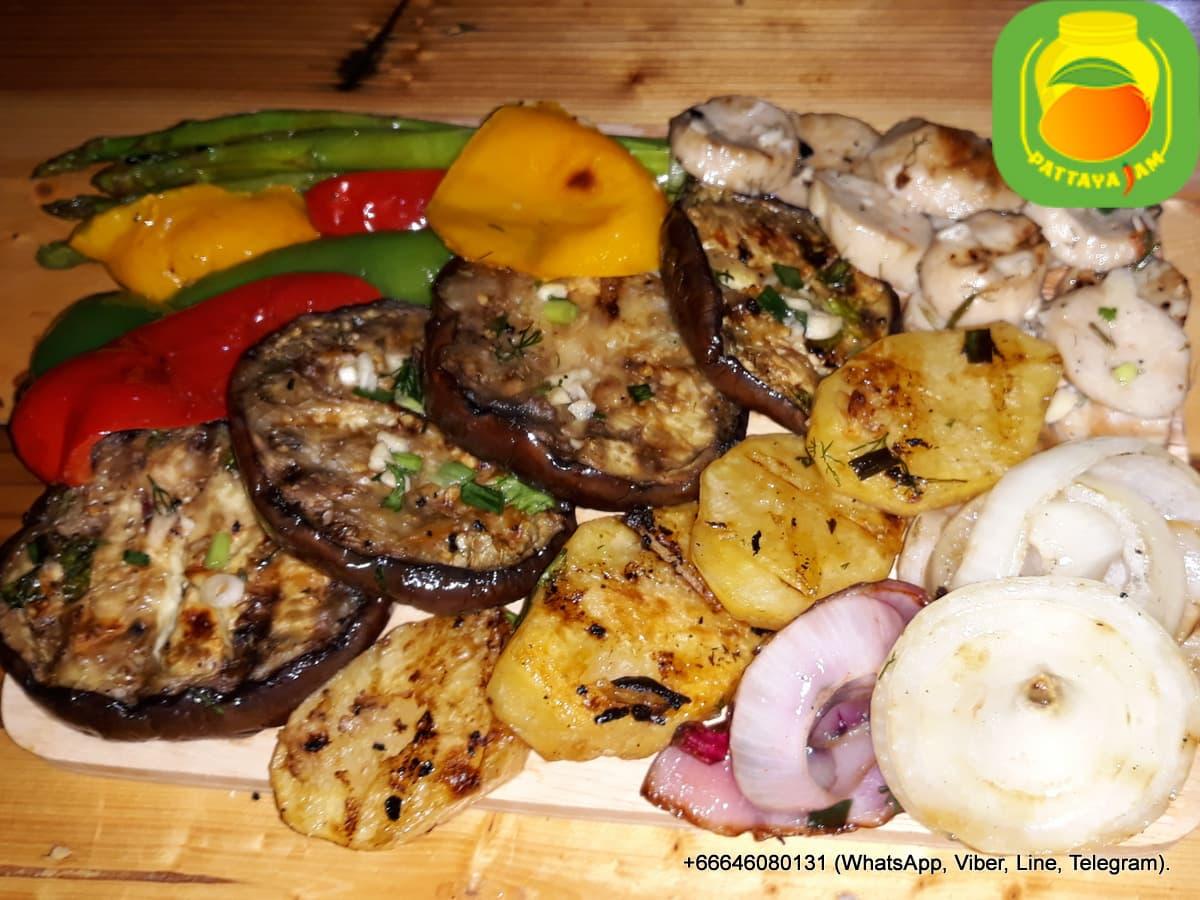BBQ овощи свежие приготовленные на гриле