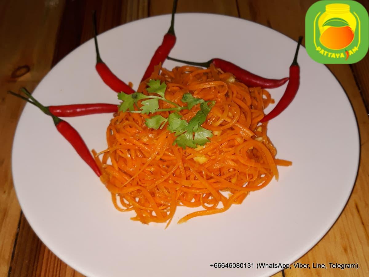 Морковка по корейски - морковча.