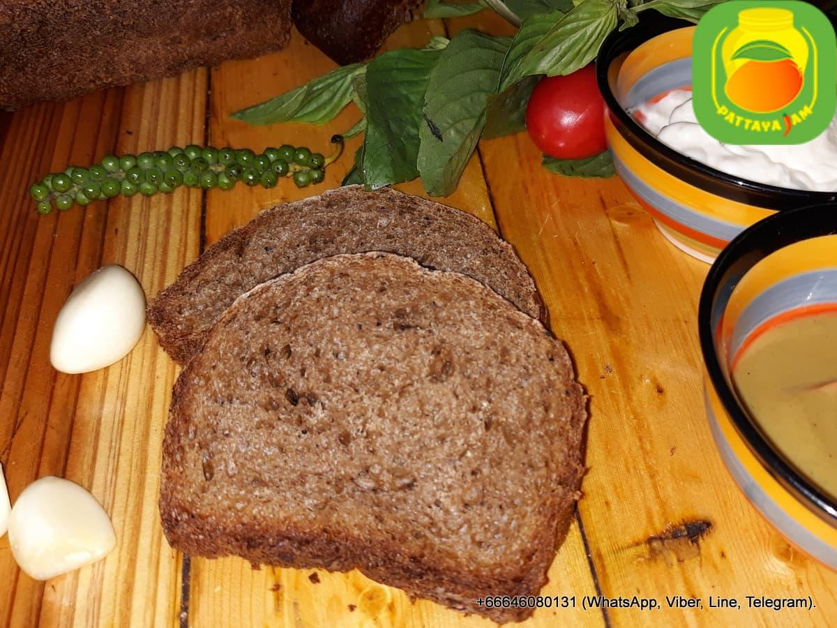 Хлеб черный.